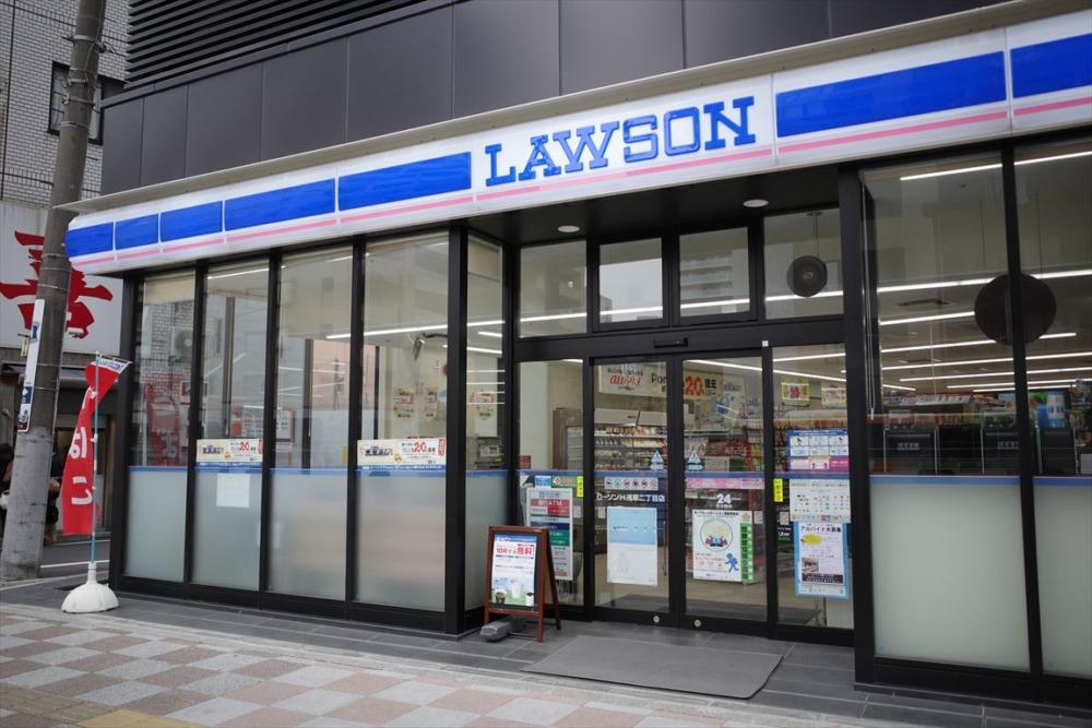TAVINOS(タビノス)浅草 1Fローソン