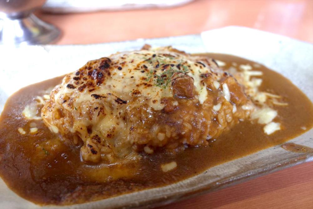 軽食喫茶ジィジ チーズカレーライス