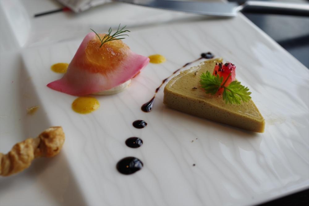 品川プリンスホテル DINING&BAR TABLE 9 TOKYO 苺のスイーツコース